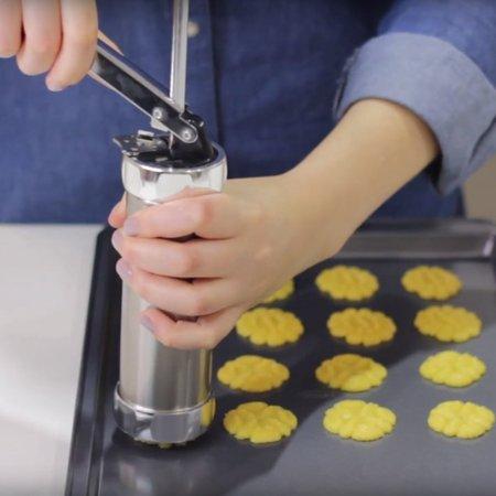 Maquina de Fazer Biscoito Cookies Biscoiteira Inox 20 Moldes